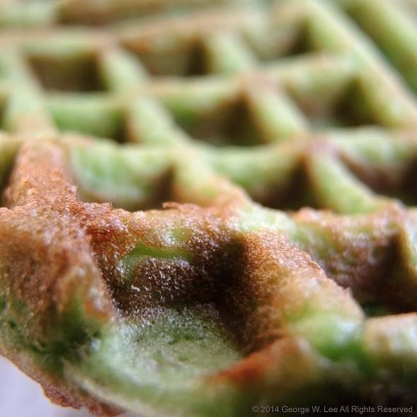 Bánh kẹp lá dứa - Pandan Waffle