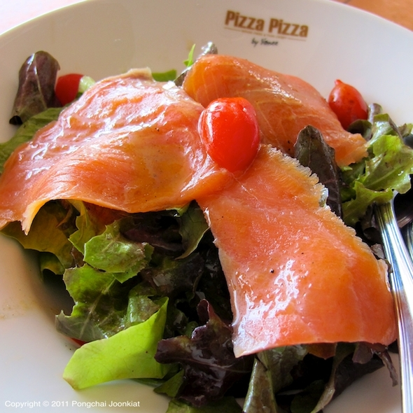 Smoked Salmon Salad @ pizza pizza by yanee @ villa market