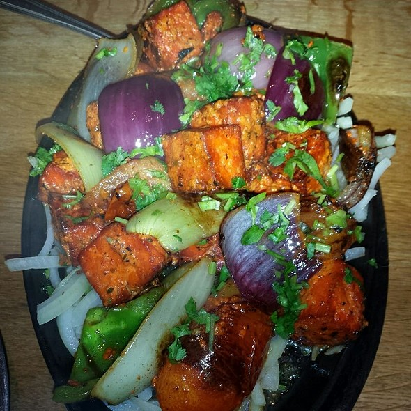 Paneer Tikka Sizzler @ London Sizzler Indian Bar & Grill