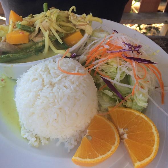 Green Curry Chicken  @ Dara Thai Lao Cuisine