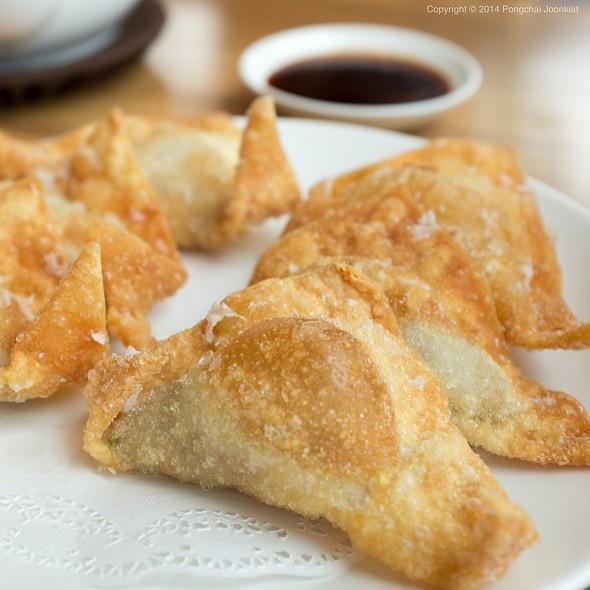 Deep-Fried Shrimp & Pork Wontons @ Din Tai Fung @ Central Embassy