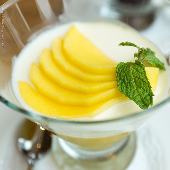 Mango Pudding @ Din Tai Fung @ Central Embassy