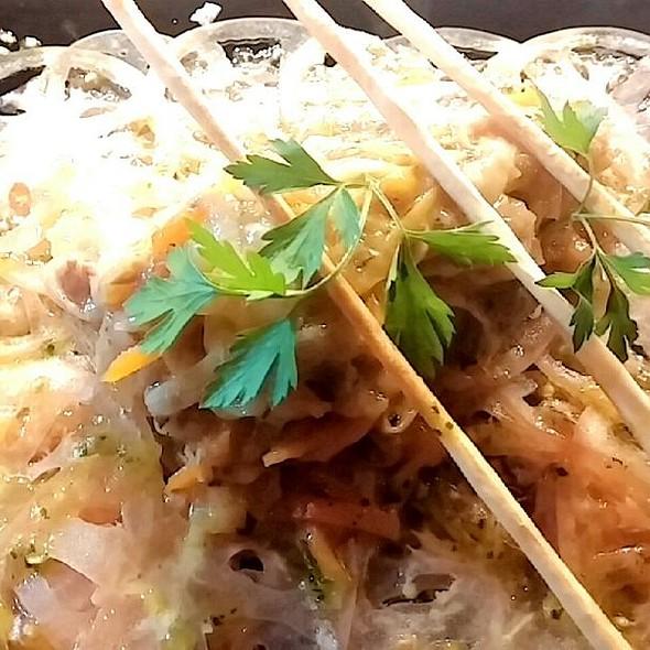 Carpaccio de tomate de huerto con ventresca de atún escabechada y vinagreta de jarabe de abeto . Reservas 00376836400 . Restaurant Eulari de Pal Eulari De Pal