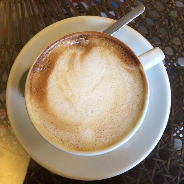 Cappuccino @ Café Glauburg