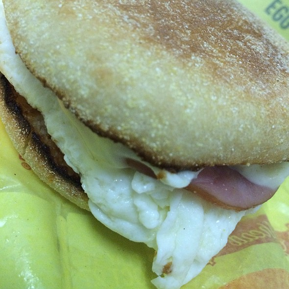Egg White Delite Mcmuffin @ Mcdonald's