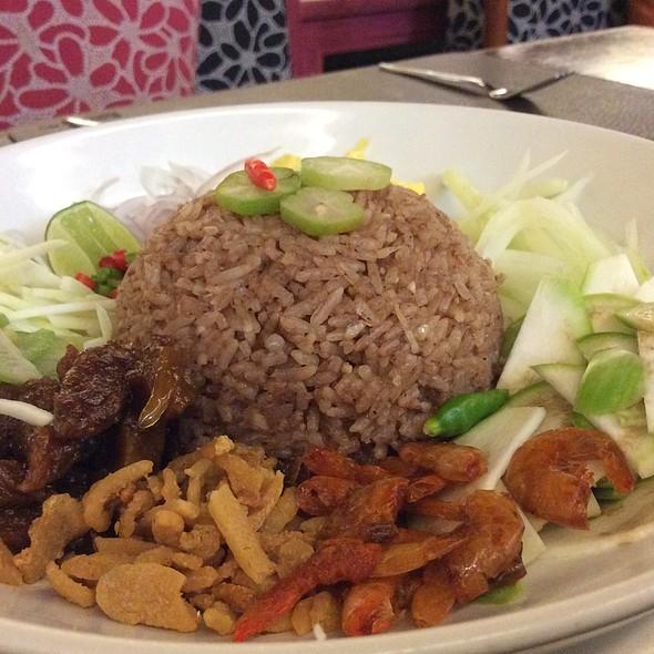 Fried Rice With Prawn Paste & Caramelised Pok