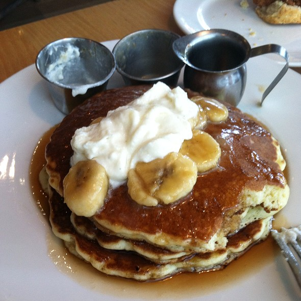 '77 Elvis Pancakes @ Yardbird Southern Table And Bar