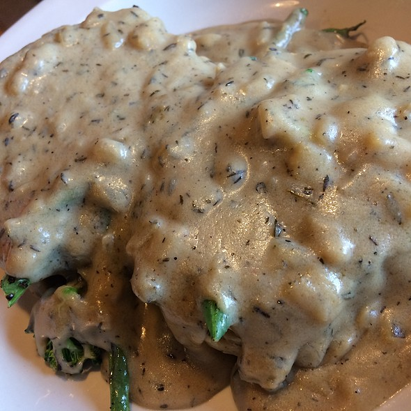 Biscuits and Gravy @ Bartertown Diner