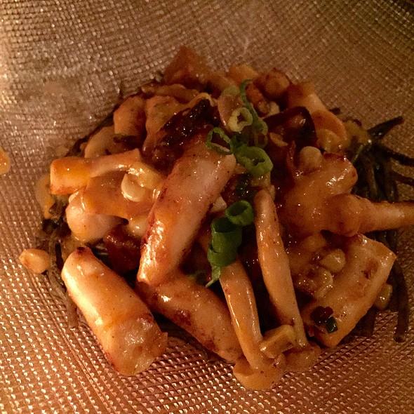 Squid Over Pasta @ Xixa