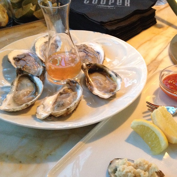 Oysters @ Cooper Lounge