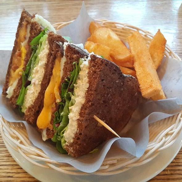 Club Sandwich @ Cocoa Oola