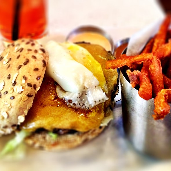 Burger @ The Counter: Custom Built Burgers: NYC - Times Square