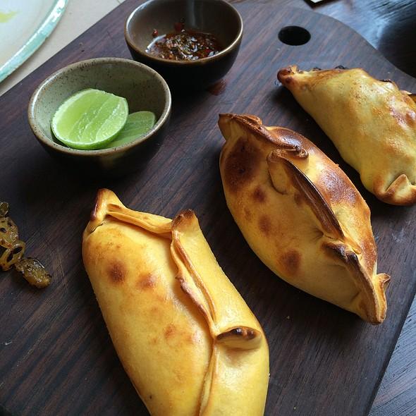 Trio De Empanadas (Humita/Lomo/Pollo)
