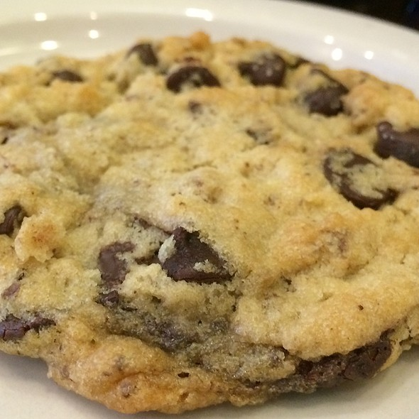 Vegan Chocolate Chip Cookie @ Sweet Art