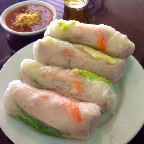 Goi Cuon (Prawn & Chicken Rolls)