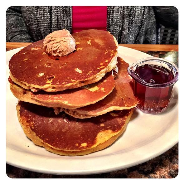 Pumpkin Pecan Pancakes @ Honeyfield