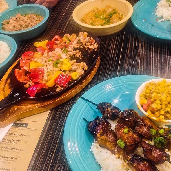Filipino Food @ Carin De Ria