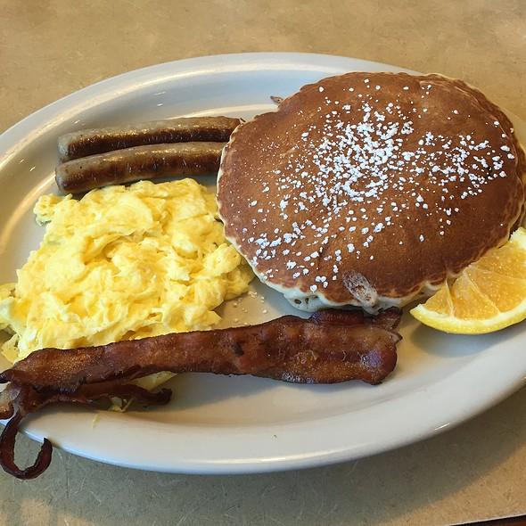 Pancake Platter @ Lincoln Square Restaurant