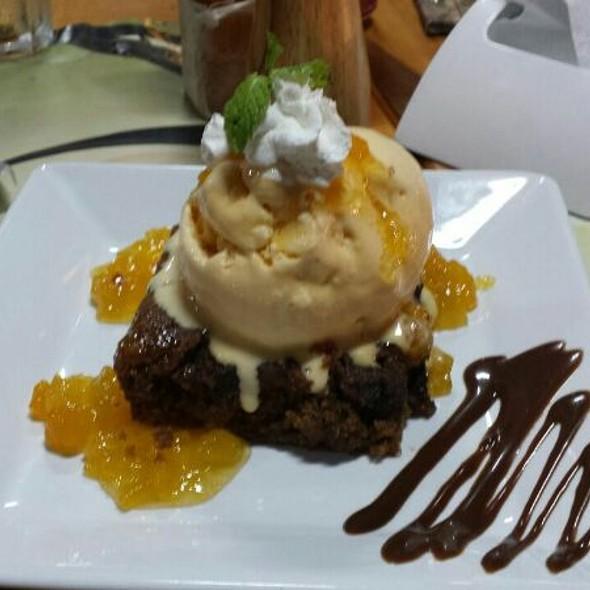 Bolo De Noiva Com Sorvete De Creme E Calda De Damasco @ Apenini Sorvetes Gourmet