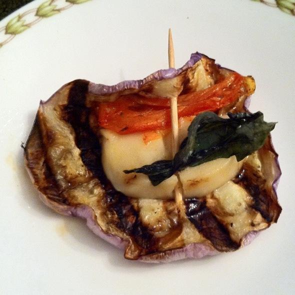 Aubergine Grillée Avec Fromage Vegan