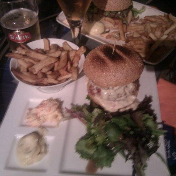 Burger @ bun's bazar