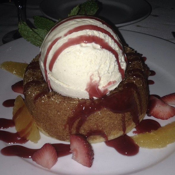 Mastro's Signature Warm Butter Cake @ Mastro's Steakhouse