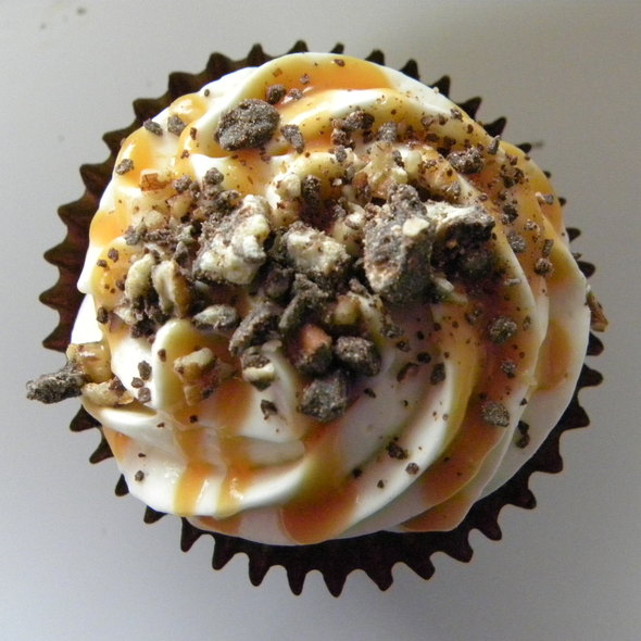 Turtle Cheesecake Cupcake @ Cupcake Jones