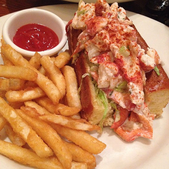 Lobster Roll (Sandwich) - Atlanta Fish Market, Atlanta, GA