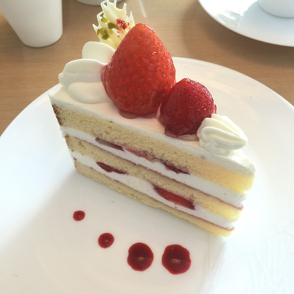 strawberry shortcake @ NEZUCAFE