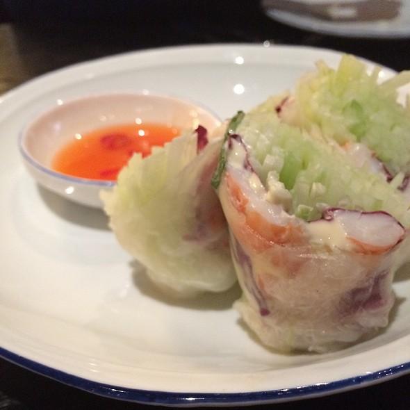 Rice Wrapped Spring Rolls @ Thai Basil