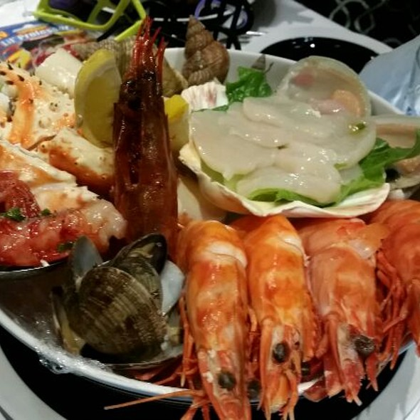 Seafood Platter @ Fishful Season
