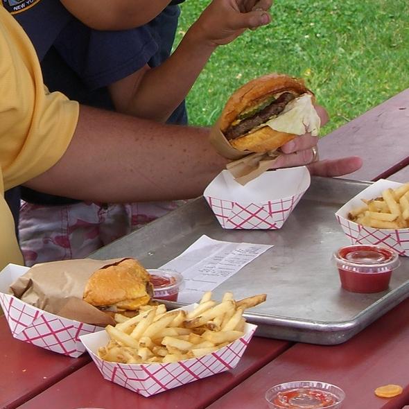 Cheeseburger @ Gott's Roadside