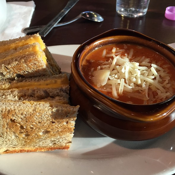 Grilled Cheese and Tomato Soup @ Jason's Deli