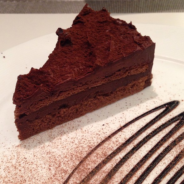 Chocolate Ganache Cake @ Cafe S.