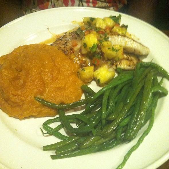Grilled Tilapia With Mango Salsa @ Bahama Breeze