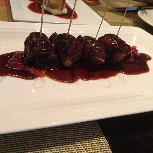 Stuffed Dates @ Julian Serrano (Aria)