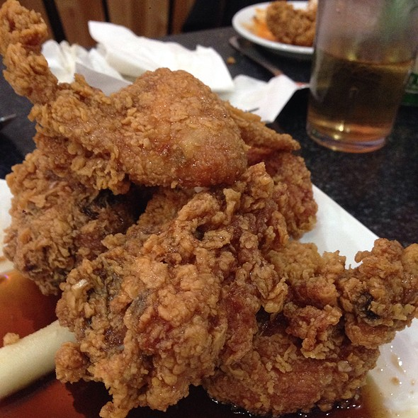 Korean Fried Chicken With Soy Garlic Sauce And Sweet And Hot Sauce at ...
