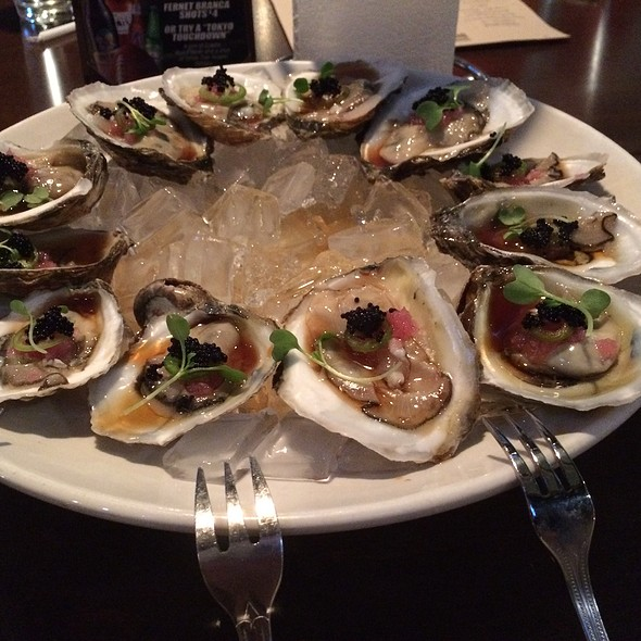 Fresh Oysters @ District One Kitchen & Bar