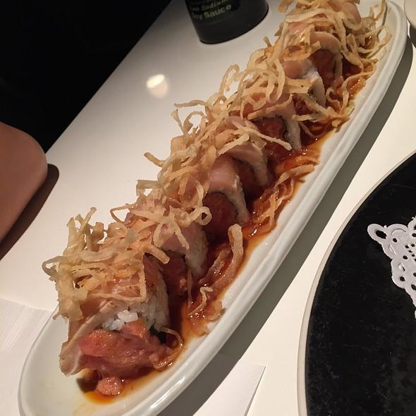 Relative Roll @ Sushi House of Taka