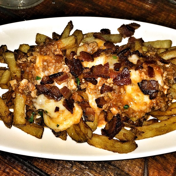 Sloppy Joe Poutine @ Fork And Wrench
