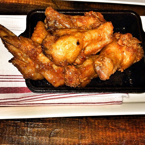 Chicken Wings @ Fork And Wrench