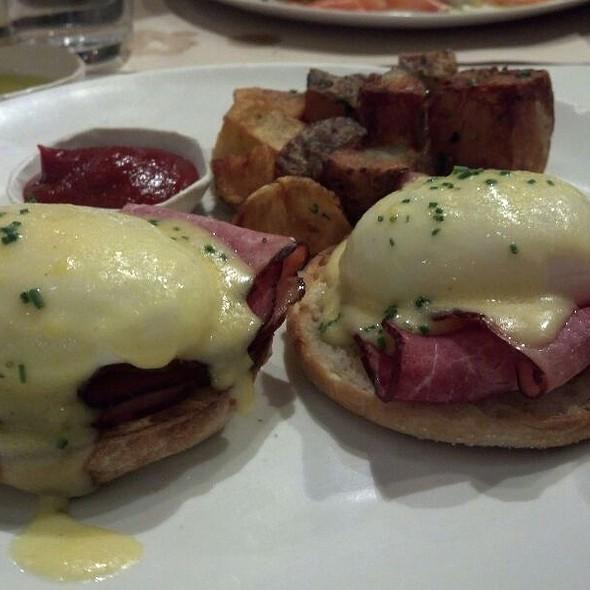 Eggs Benedict @ ABC Kitchen