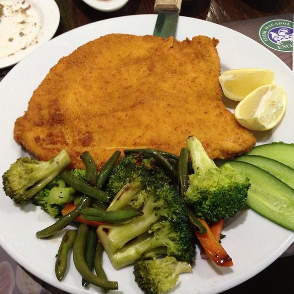 Chicken Schnitzel - Itzik Hagadol Grill, Encino, CA