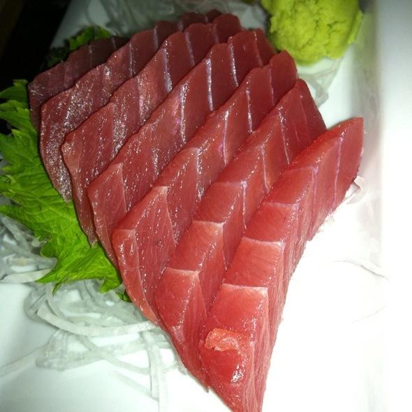 Maguro Sashimi @ RA Sushi