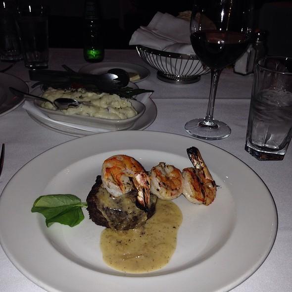 Surf & Turf / Shrimps With Petit Filet Mignon - The Capital Grille - Minneapolis