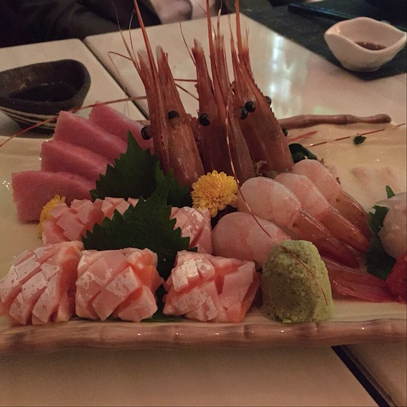 assorted sashimi @ Umami Bar