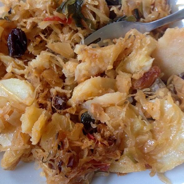Sauerkraut Dish With Pineapple And Chicken @ Stichting Suara Jawa