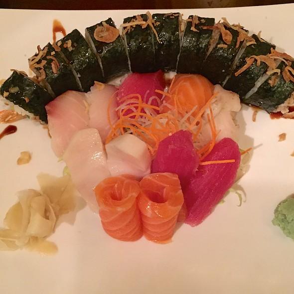 Sushi & Sashimi Combo with an Eel Roll. @ Zushi Asia