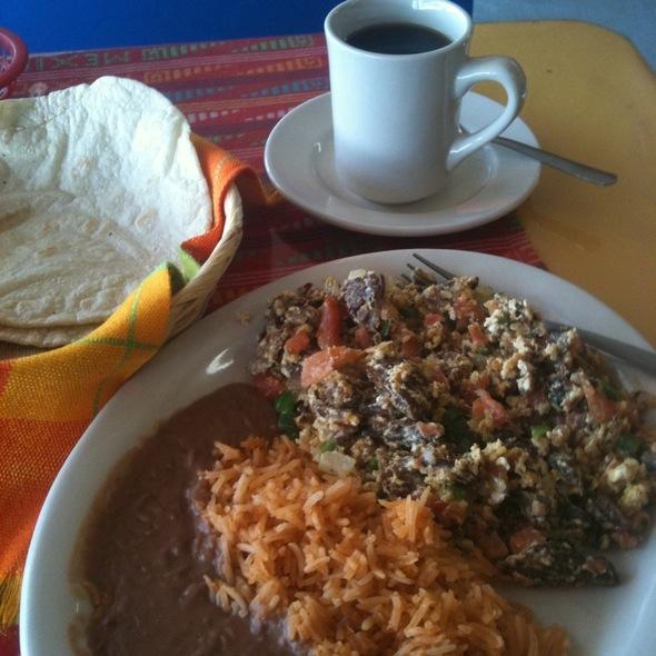 Machaca Plate