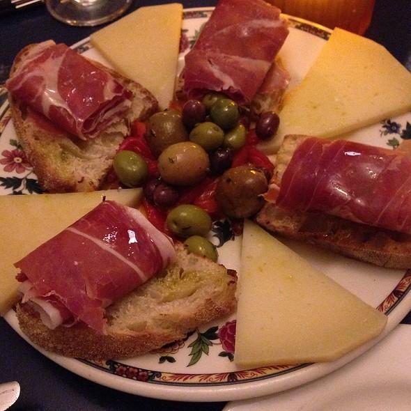 Plato Mixto - Tapeo Restaurant and Tapas Bar, Boston, MA